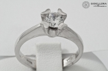 Gold solitaire ring 18 kt with white cubic zirconia an2